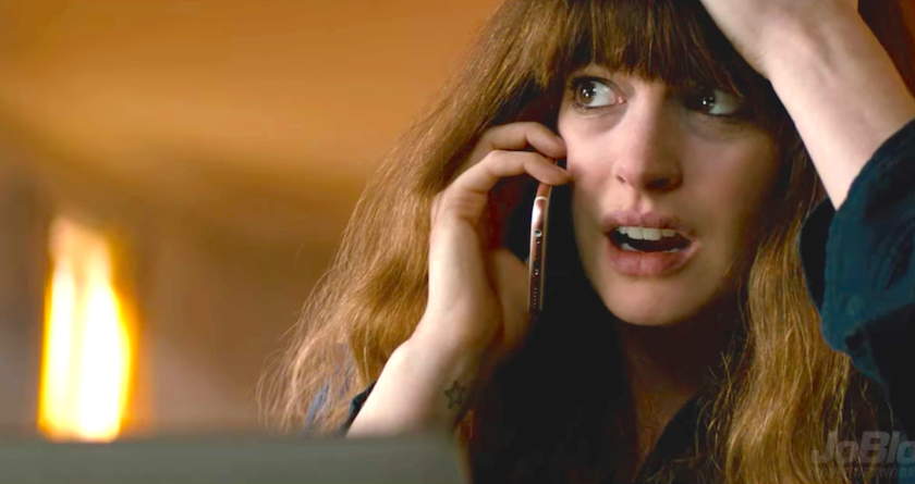 colossal-2016-anne-hathaway